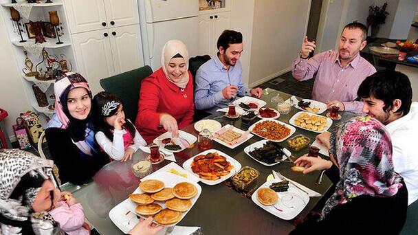 cara mengatasi anak susah makan - Makan Bersama